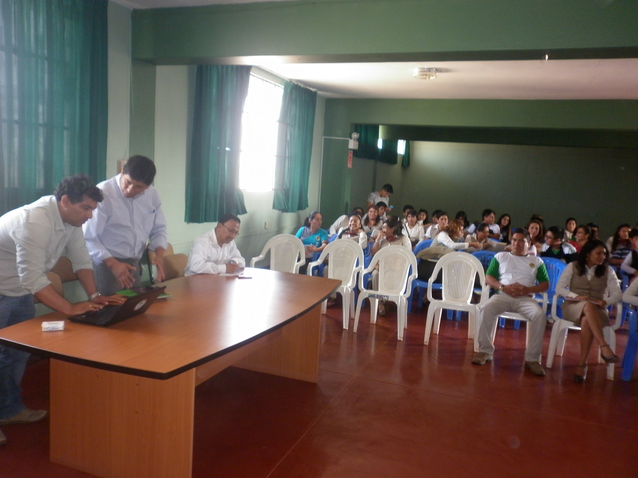 "Charla educativa: Proyecto ""ChiclaYo limpio"""
